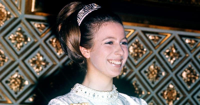 Історія Запитання-цікавинка: Назвіть ім'я єдиної дочки королеви Єлизавети II?