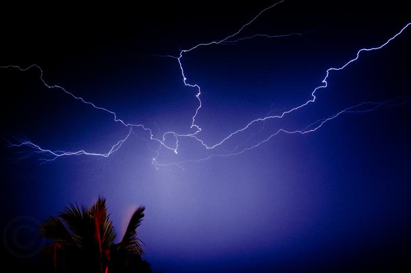 Science Trivia Question: What is the temperature of a lightning bolt?