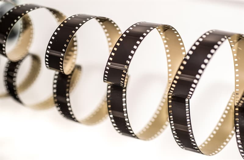 """Movies & TV Trivia Question: What movie could be considered a """"brothers"""" film, with 2 of the Keach clan, 3 of the Carradine clan, 2 of the Quaid clan and 2 of the Guest clan appearing in it?"""