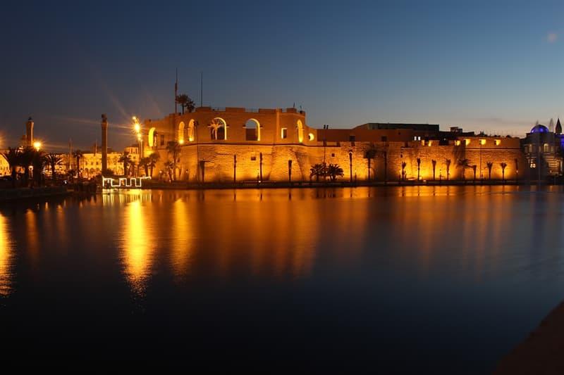 Geografia Pytanie-Ciekawostka: Gdzie znajdują się brzegi Trypolisu?