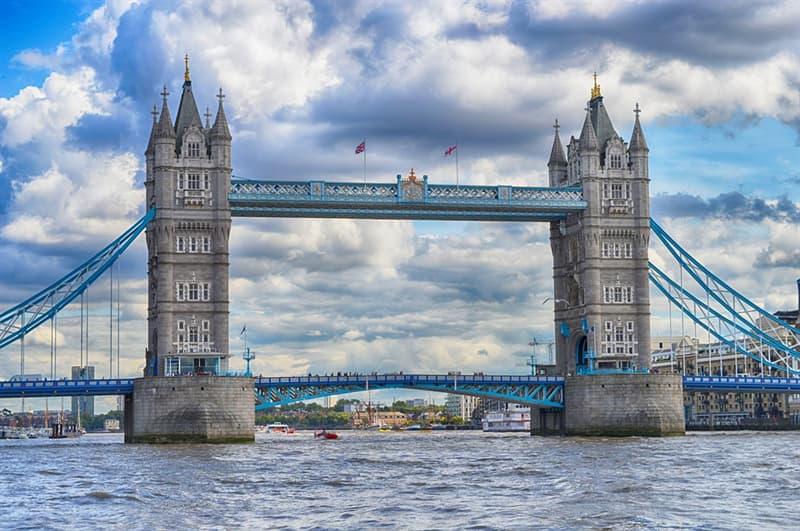 Geografía Pregunta Trivia: ¿Qué famoso hito y símbolo inglés es el que se muestra en la fotografía?