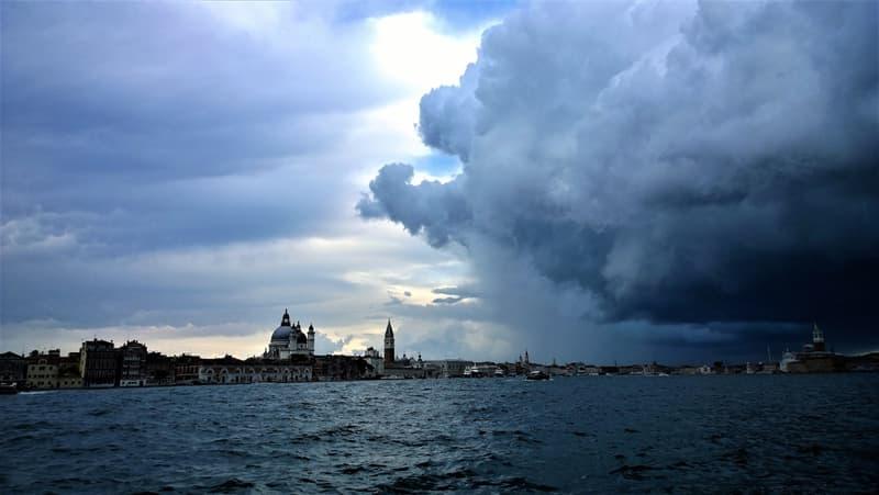 Natur Wissensfrage: Welche Wolkenart ist mit Gewittern verbunden?