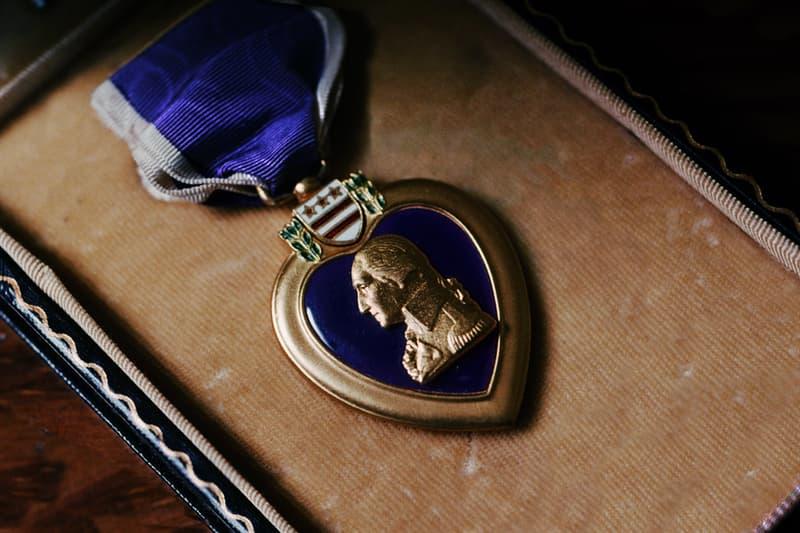 """История Вопрос: Кто из перечисленных американских президентов, принимавших непосредственное участие в боевых действиях во время Второй мировой войны, был награжден медалью """"Пурпурное сердце""""?"""