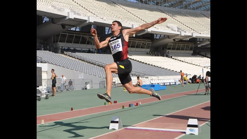 Sport Trivia Question: Who was the first person to long jump over 25 feet?