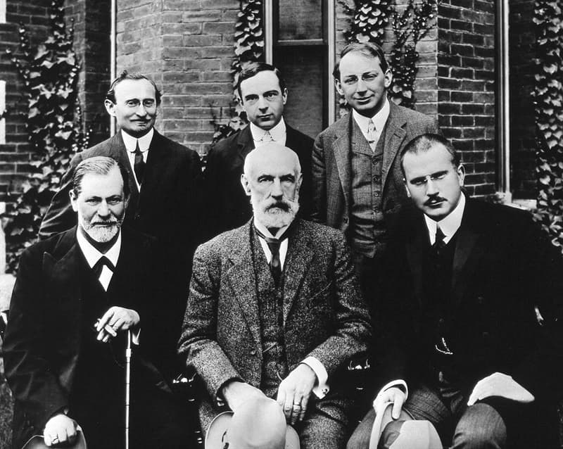 Science Trivia Question: Who was the founder of analytical psychology?