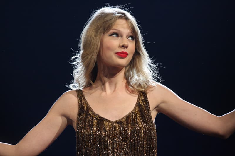Culture Trivia Question: Did Taylor Swift ever release a Christmas album?