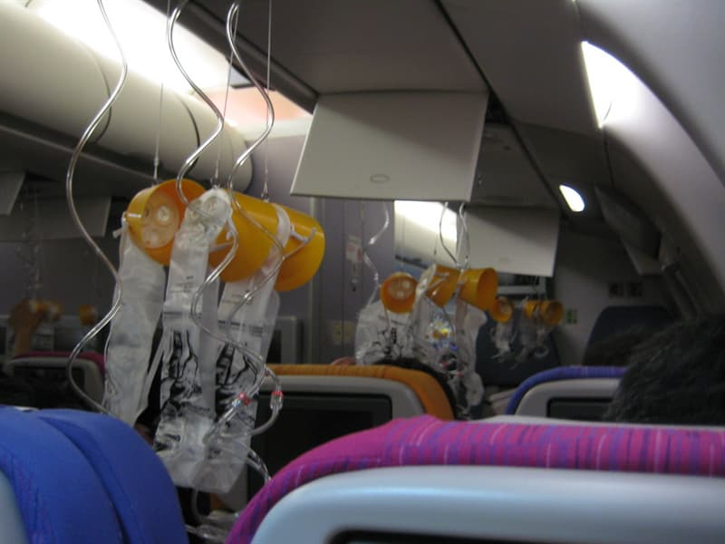 Science Trivia Question: How long does an airplane oxygen mask last?