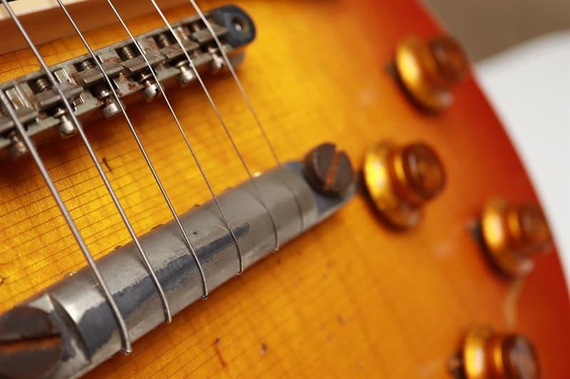 Kultura Pytanie-Ciekawostka: Co prawie zakończyło karierę gitarzysty Lesa Paula?