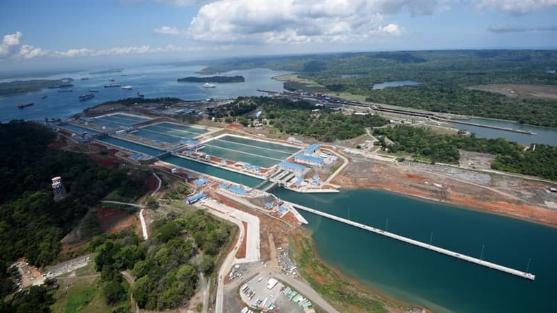 History Trivia Question: What year did the Panama Canal first open?