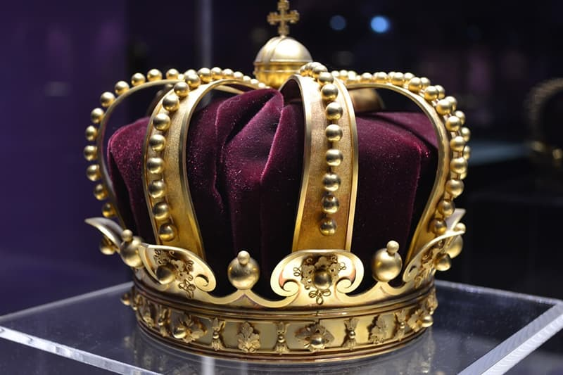 History Trivia Question: Which of the English kings died of leprosy?