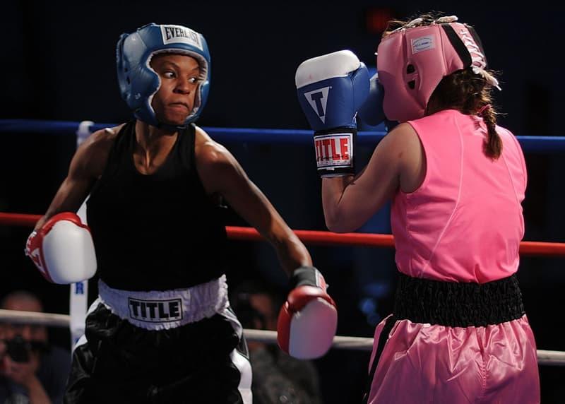 sport Pytanie-Ciekawostka: Kto był najmłodszym zawodnikiem w boksie, który wygrał pas mistrzowski wagi ciężkiej?