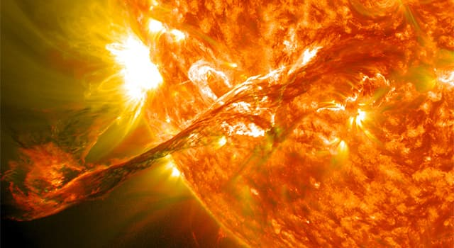 Science Trivia Question: What are the majority of elements that comprise our Sun?