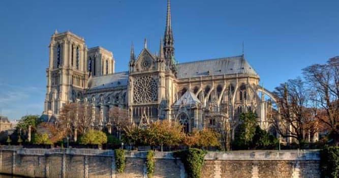 Cultura Pregunta Trivia: ¿De qué estilo arquitectónico es la mundialmetne famosa Catedral Notre-Dame de Paris?