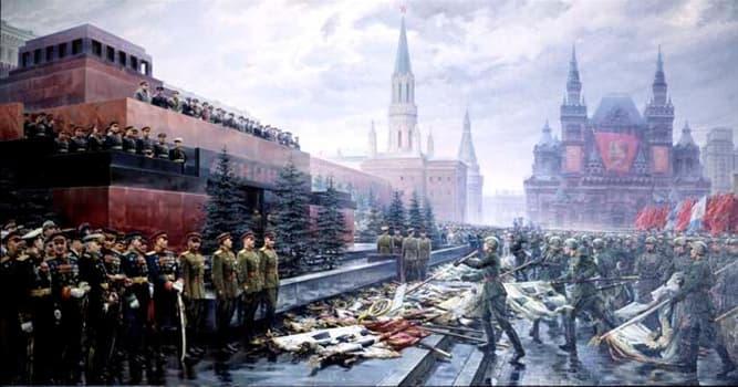 История Вопрос: Кто принимал первый Парад Победы в Москве 24 июня 1945?