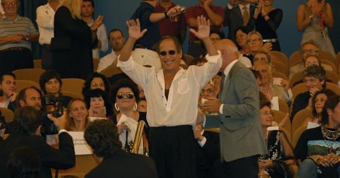 Общество Вопрос: Кто такой Адриано Челентано?