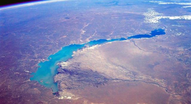 Geografía Pregunta Trivia: ¿Cuál es el único lago con agua dulce y salada a su vez?