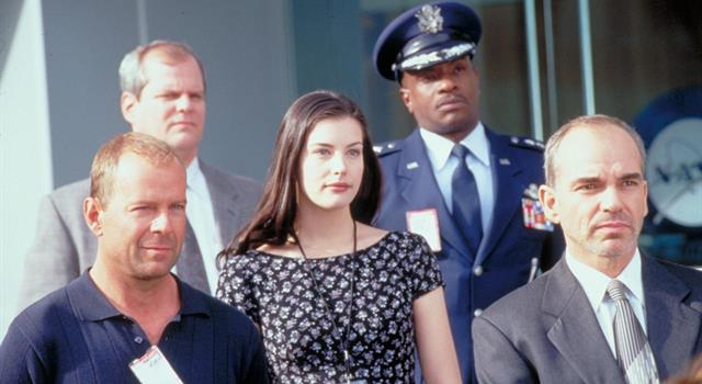 Películas Pregunta Trivia: ¿En la película Armageddon (1998), el personaje de Billy Bob Thornton es administrador de qué agencia del gobierno estadounidense?