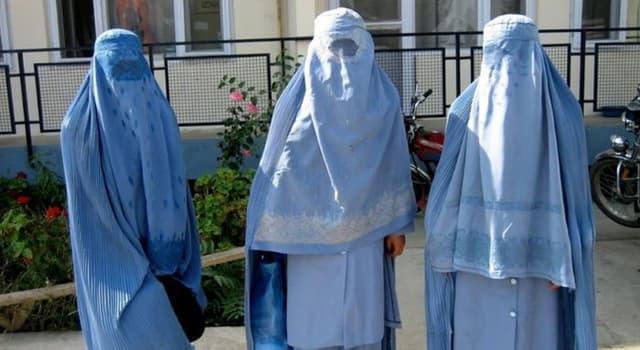 Cultura Pregunta Trivia: ¿Cuál es el nombre de la vestimenta tradicional usada por las mujeres de la religión islámica?