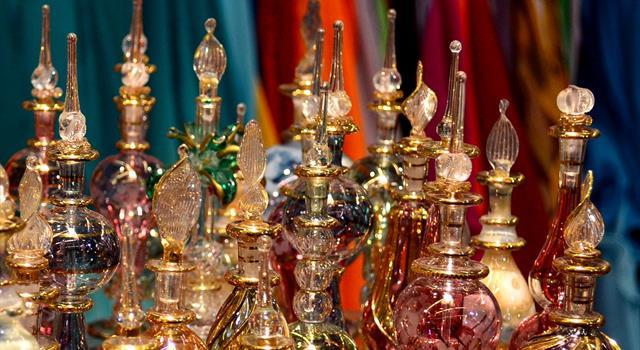 Сiencia Pregunta Trivia: ¿Cuál fue la contribución árabe más importante en el desarrollo de la perfumería?