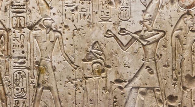 Historia Pregunta Trivia: ¿Qué piedra hizo posible descifrar la escritura jeroglífica egipcia?