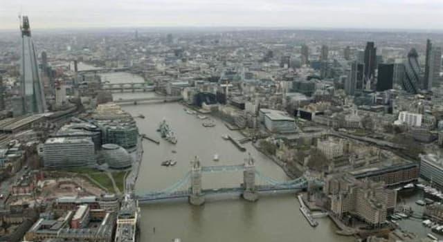Historia Pregunta Trivia: ¿Qué puente de Londres fue vendido en una subasta?