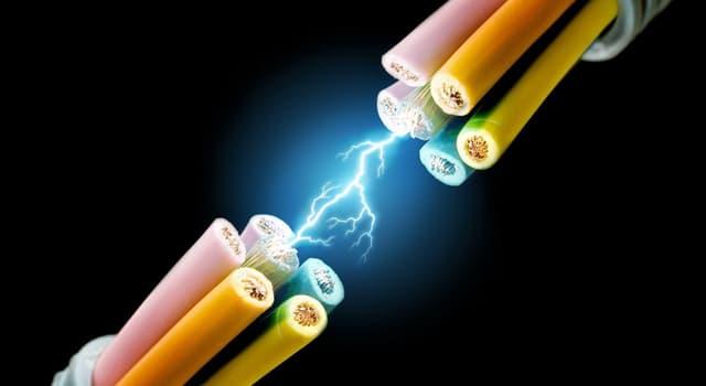 Сiencia Pregunta Trivia: ¿Cuál es el valor de la tensión eléctrica que se considera de seguridad para el caso de un cuerpo mojado?