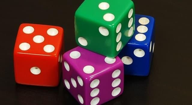 Kultura Pytanie-Ciekawostka: Ile kropek znajduje się na kostce do gry zaprezentowanej na zdjęciu?