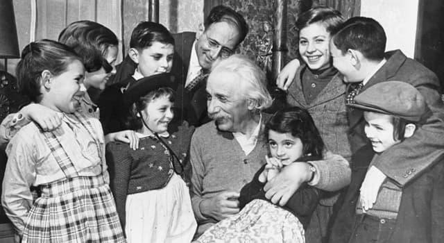 Cultura Pregunta Trivia: ¿Qué instrumento musical legó Albert Einstein a su nieto?