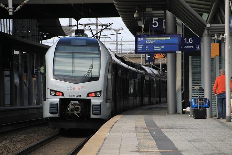 społeczeństwo Pytanie-Ciekawostka: Jakie miasto ma najdłuższą sieć metra ma świecie?