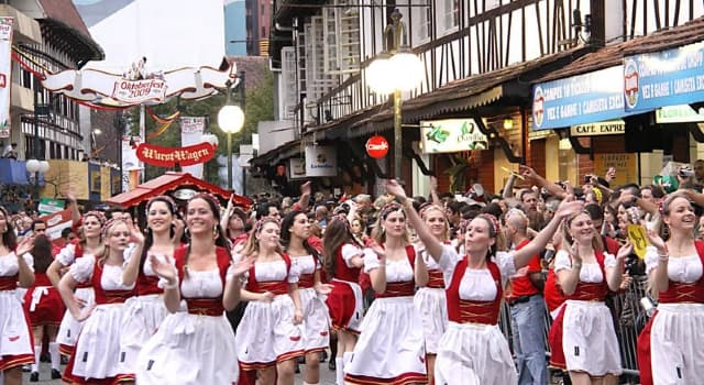 Sociedad Pregunta Trivia: ¿En qué ciudad se lleva a cabo la mayor fiesta alemana de América?