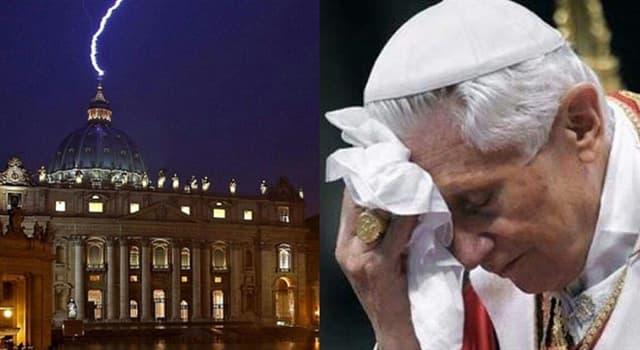 Historia Pregunta Trivia: ¿Qué Papa fue el último en renunciar, antes de Benedicto XVI?