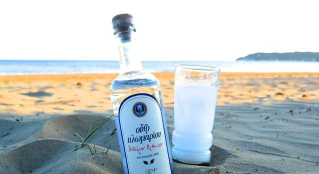 Kultura Pytanie-Ciekawostka: Jaki smak ma grecka wódka Ouzo?