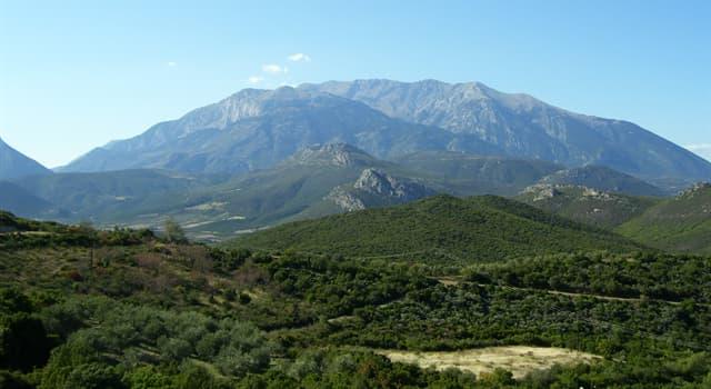 Cultura Pregunta Trivia: ¿A qué dios estaba consagrado el monte Parnaso como montaña sagrada y recinto de las Musas?