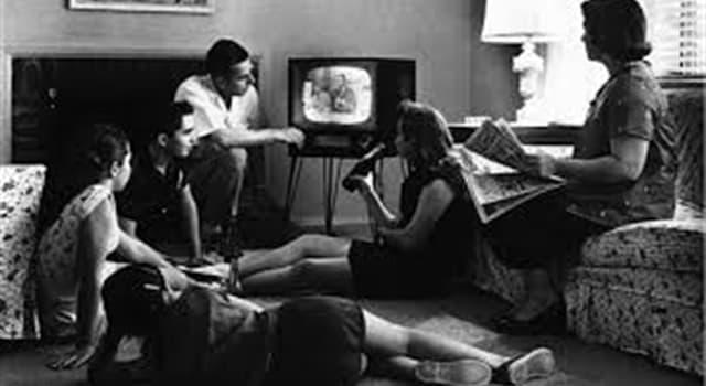 Películas y TV Pregunta Trivia: ¿A qué producto se refería el primer anuncio televisivo de la historia?