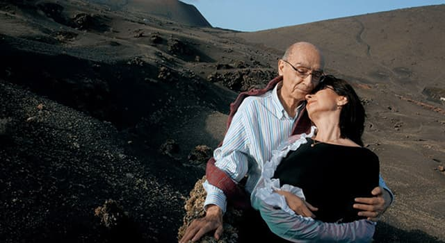 Cultura Pregunta Trivia: ¿Con qué enfermedad se contagian repentinamente los protagonistas de una novela de José Saramago?