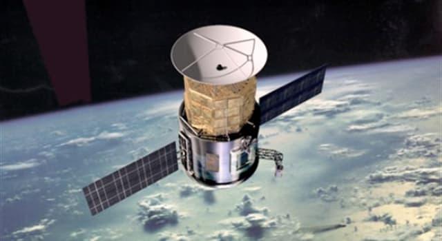 Сiencia Pregunta Trivia: ¿Cuántos satélites artificiales en pleno funcionamiento se encuentran actualmente orbitando la tierra?