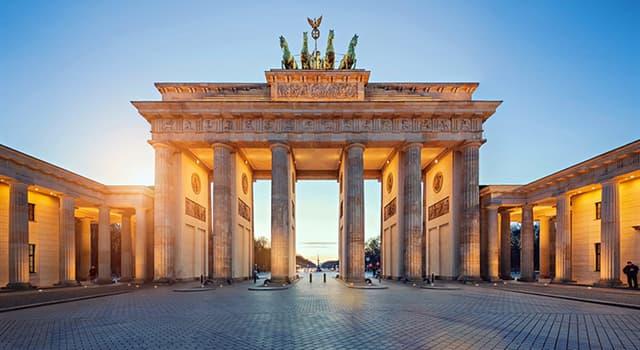 Historia Pregunta Trivia: ¿En qué año terminó Alemania de pagar las deudas de la primera guerra mundial?