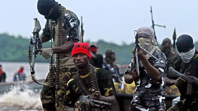 Sociedad Pregunta Trivia: ¿En qué país africano la piratería es una amenaza para el transporte marítimo?