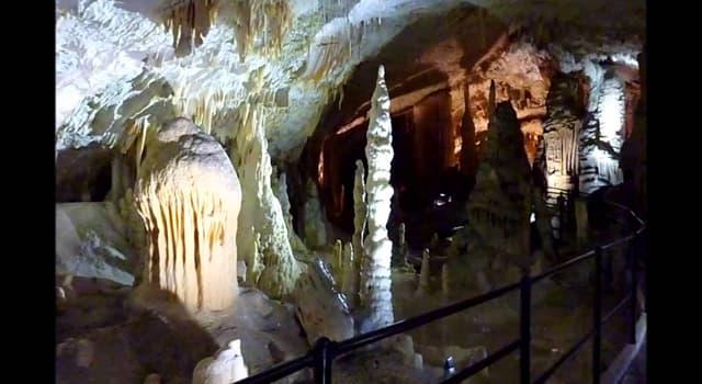 Geografía Pregunta Trivia: ¿En qué país se encuentran las cuevas de Postojna?