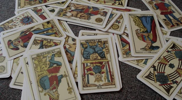 Kultura Pytanie-Ciekawostka: Ile kart zawiera standardowa talia kart tarot?