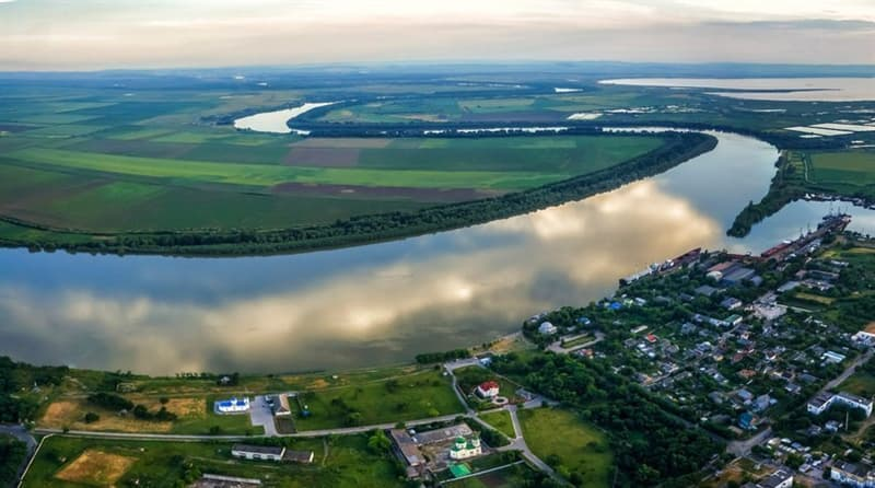 Географія Запитання-цікавинка: На якій річці розташовані чотири європейські столиці: Відень, Братислава, Белград і Будапешт?