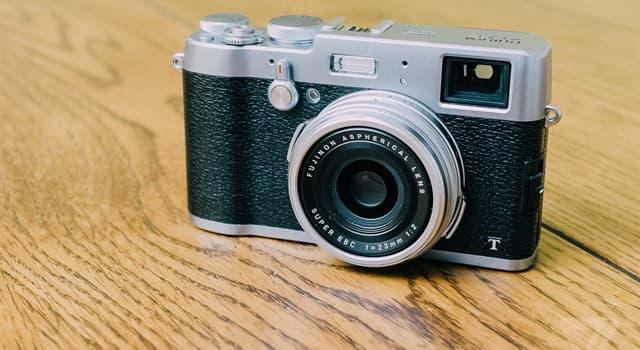 nauka Pytanie-Ciekawostka: Kiedy jest używany do opisu aparatu, co oznacza SLR?