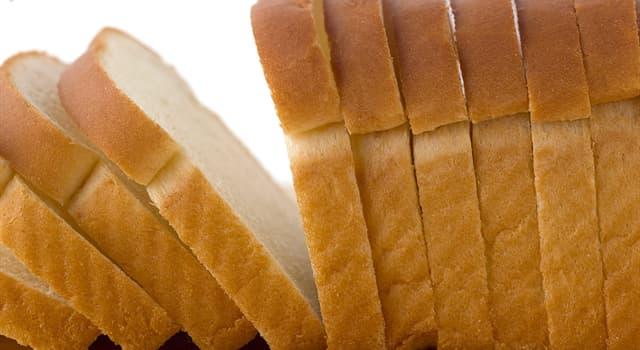 społeczeństwo Pytanie-Ciekawostka: Kiedy sprzedano pierwszą maszynę, która mogła pokroić i owinąć bochenek chleba?