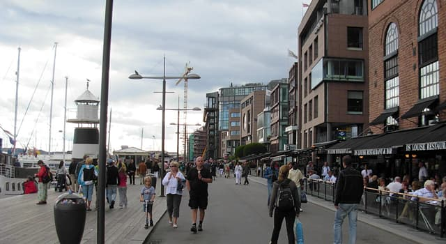 Geographie Wissensfrage: In welcher Hauptstadt befindet sich Aker Brygge, ein Treffpunkt für Unterhaltung und Touristenziel?
