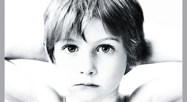 """Kultur Wissensfrage: Welche Rock-Band veröffentlichte 1980 das Debütalbum """"Boy""""?"""