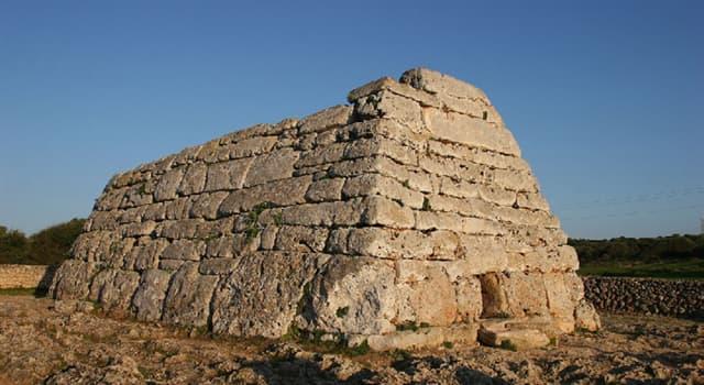 Historia Pregunta Trivia: ¿Cómo se denomina el monumento prehistórico de la imagen?