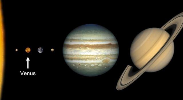 Сiencia Pregunta Trivia: ¿Cuál de la siguientes afirmaciones sobre el planeta Venus, es falsa?