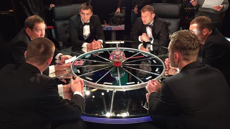 """Фільми та серіали Запитання-цікавинка: Який приз вручають найкращому гравцеві з команди знавців в грі """"Що? Де? Коли?""""?"""
