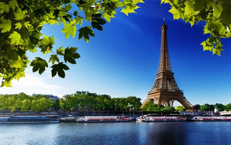Культура Запитання-цікавинка: Чому відомий французький письменник Гі де Мопассан часто обідав у ресторані Ейфелевої вежі?