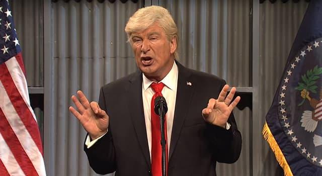 """Películas Pregunta Trivia: ¿Qué actor parodia con notable éxito al presidente Trump, en el programa """"Saturday Night Live""""?"""
